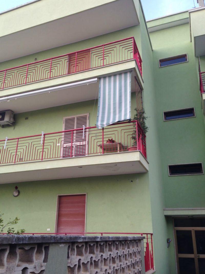 Appartamento in vendita a Modugno, 4 locali, prezzo € 165.000 | CambioCasa.it