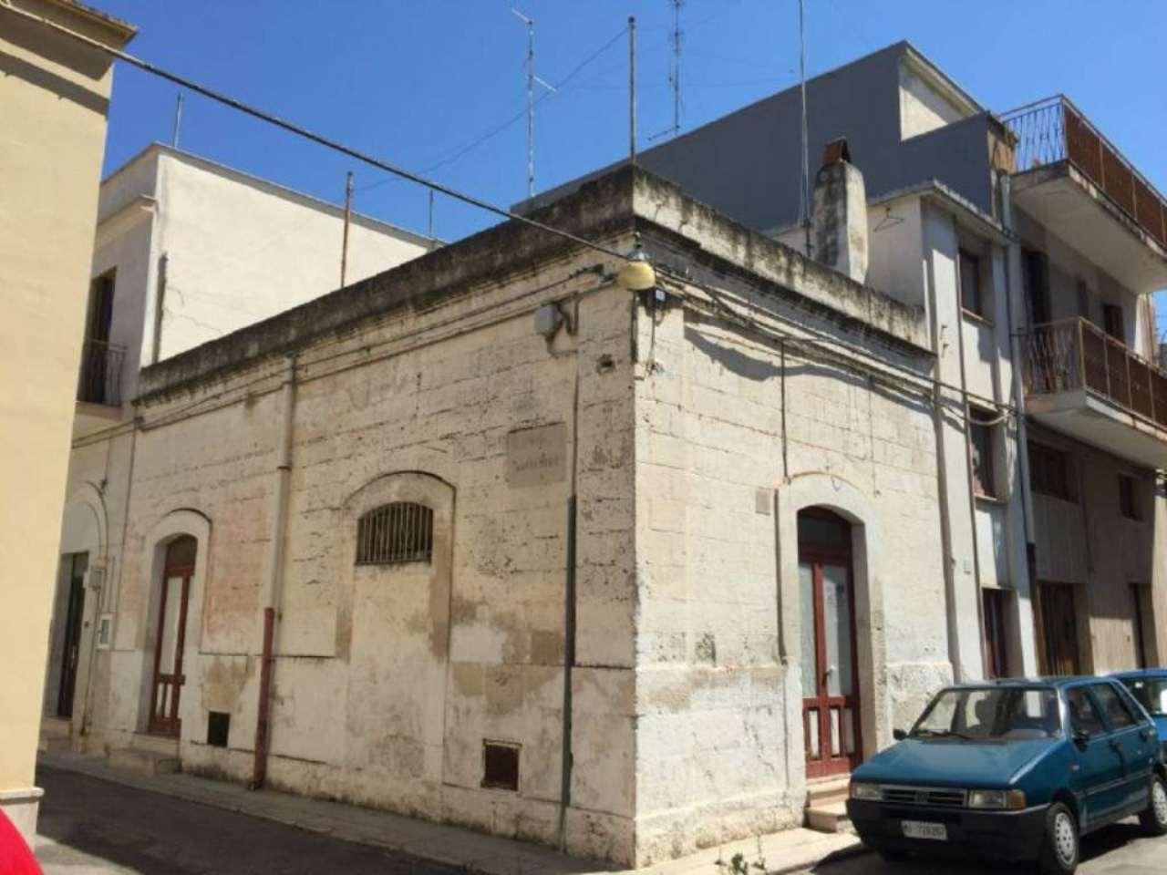 Soluzione Indipendente in vendita a Modugno, 6 locali, prezzo € 85.000 | Cambio Casa.it