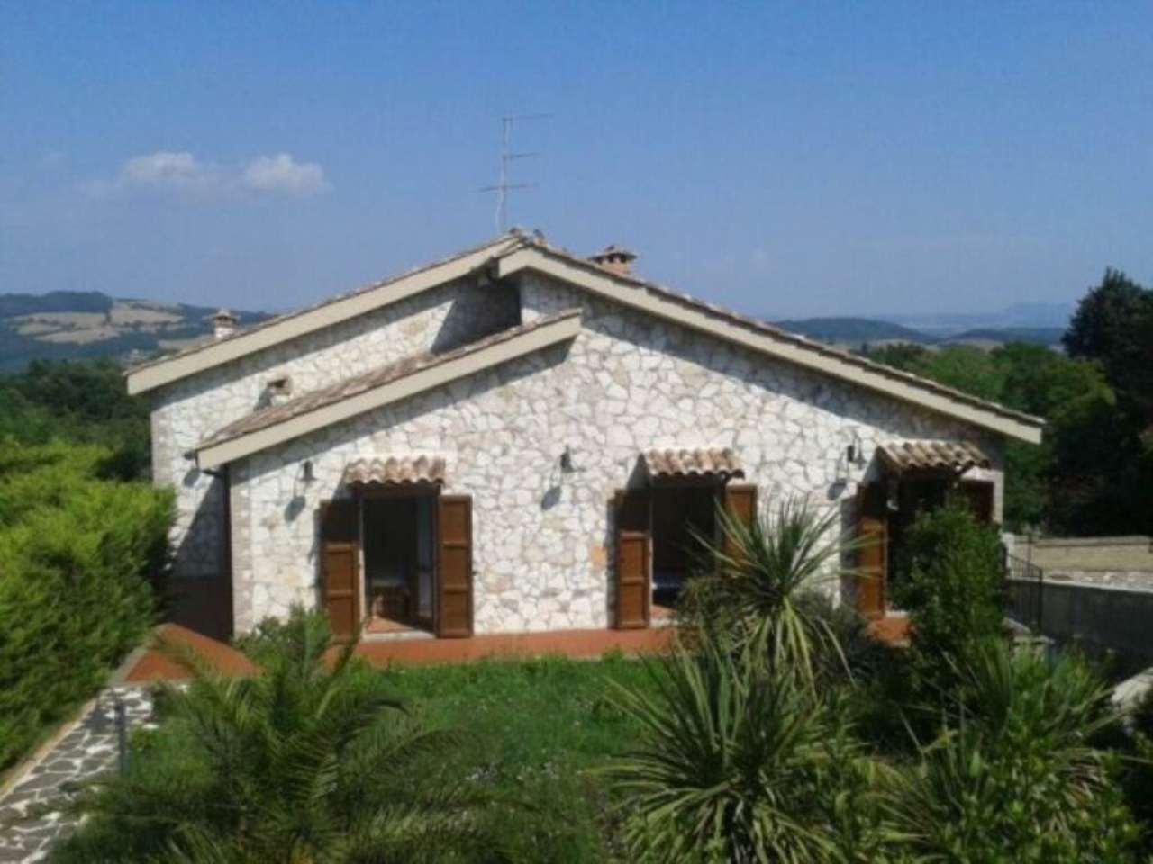 Villa in vendita a Manciano, 6 locali, prezzo € 280.000 | CambioCasa.it