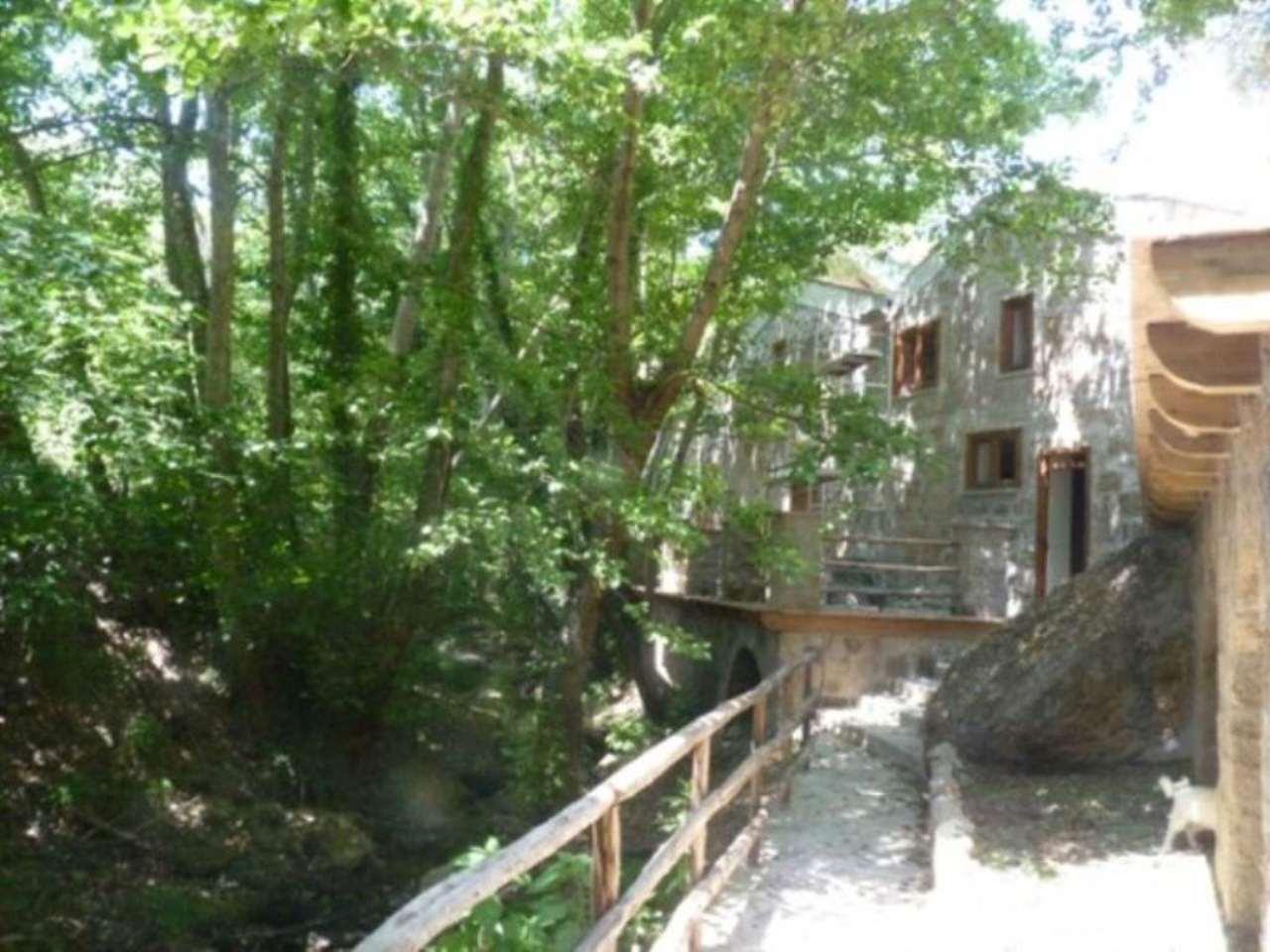 Rustico / Casale in vendita a Vetralla, 6 locali, Trattative riservate | CambioCasa.it