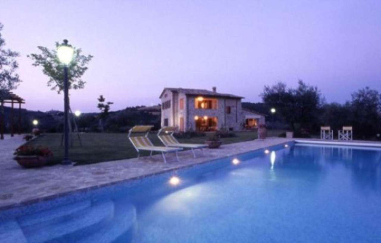 Albergo in vendita a Perugia, 6 locali, Trattative riservate | CambioCasa.it