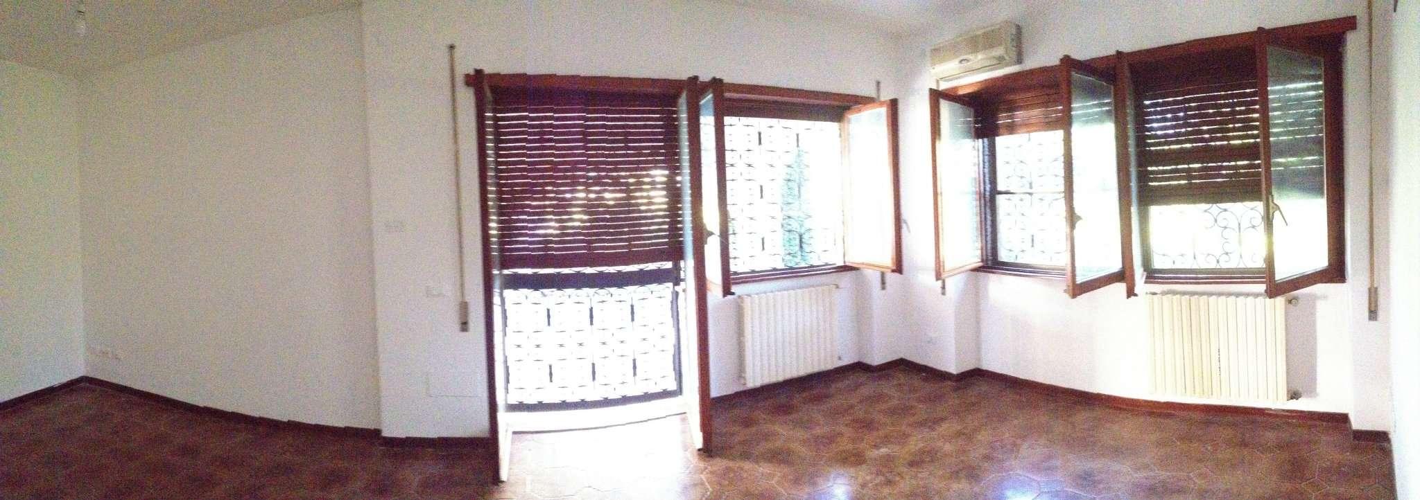 Roma Affitto VILLA Immagine 2