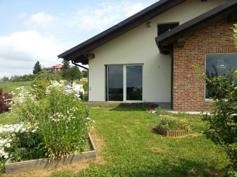 Villa in vendita a Arignano, 6 locali, prezzo € 565.000 | Cambio Casa.it