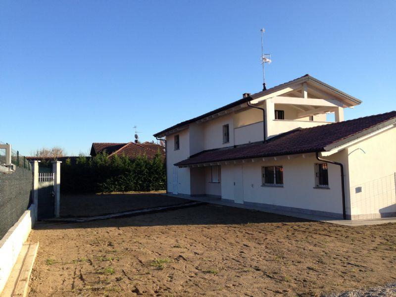 Villa in vendita a Incisa Scapaccino, 8 locali, prezzo € 340.000 | Cambio Casa.it