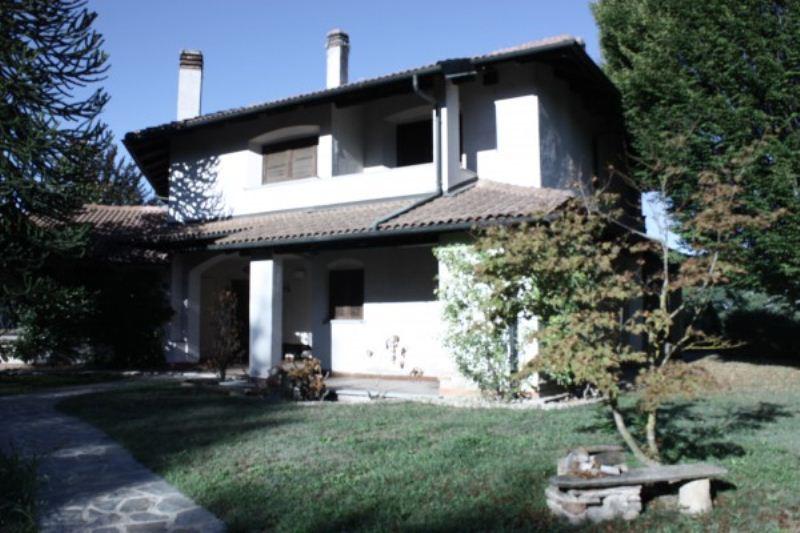 Villa in vendita a Asti, 6 locali, prezzo € 370.000   Cambio Casa.it