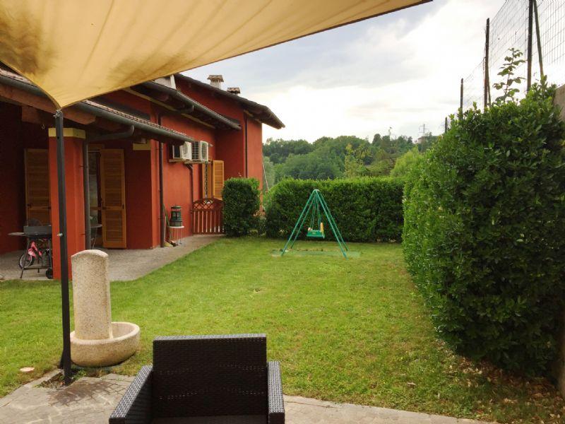 Villa in vendita a Portacomaro, 7 locali, prezzo € 440.000 | Cambio Casa.it