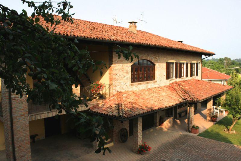 Rustico / Casale in vendita a Chiusano d'Asti, 15 locali, Trattative riservate | Cambio Casa.it