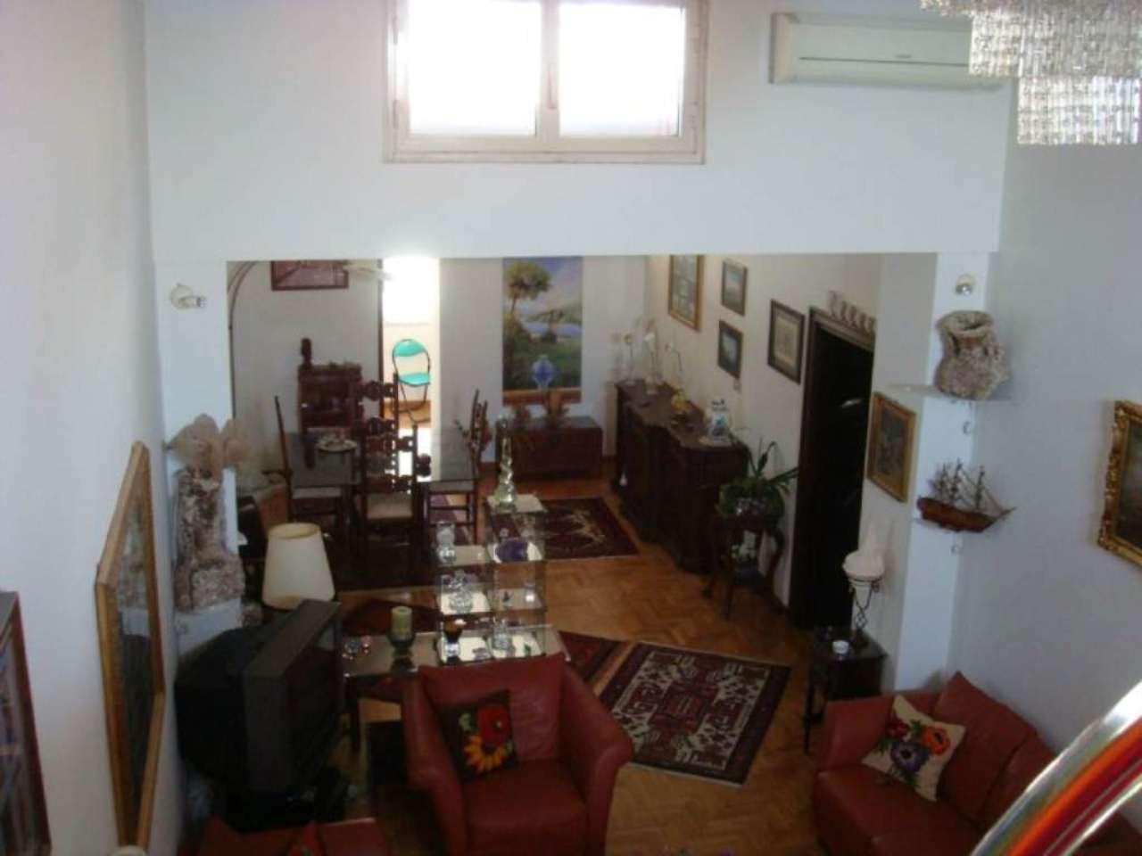 Bilocale Napoli Via Posillipo 3
