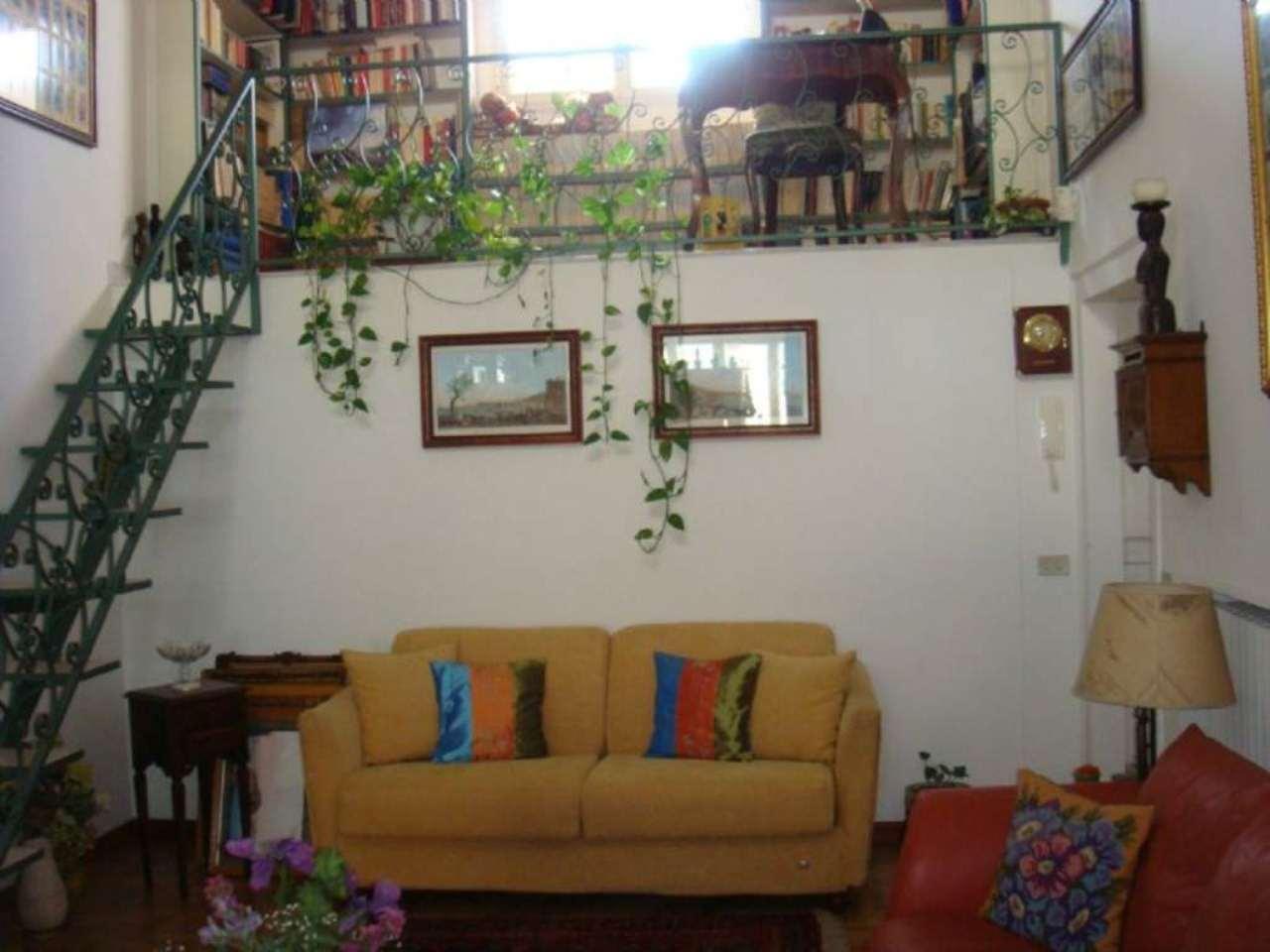 Bilocale Napoli Via Posillipo 4