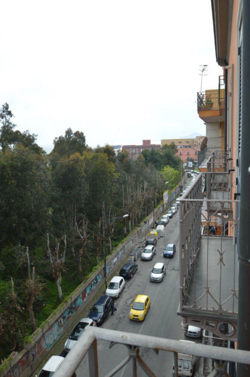 Bilocale Napoli Via Di Bagnoli 4