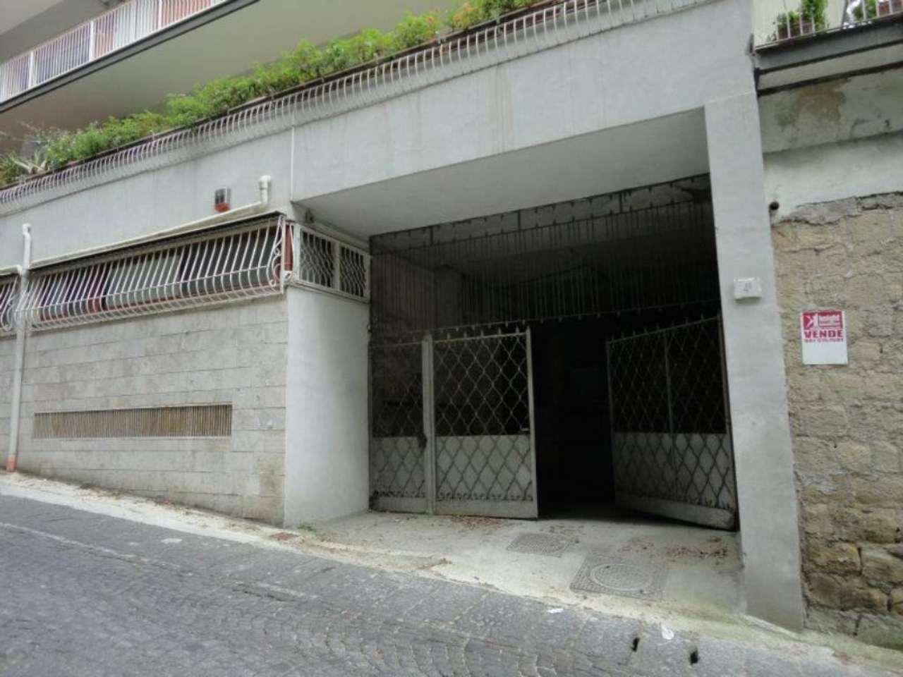 Box / Garage in affitto a Napoli, 1 locali, zona Zona: 1 . Chiaia, Posillipo, San Ferdinando, prezzo € 400 | CambioCasa.it