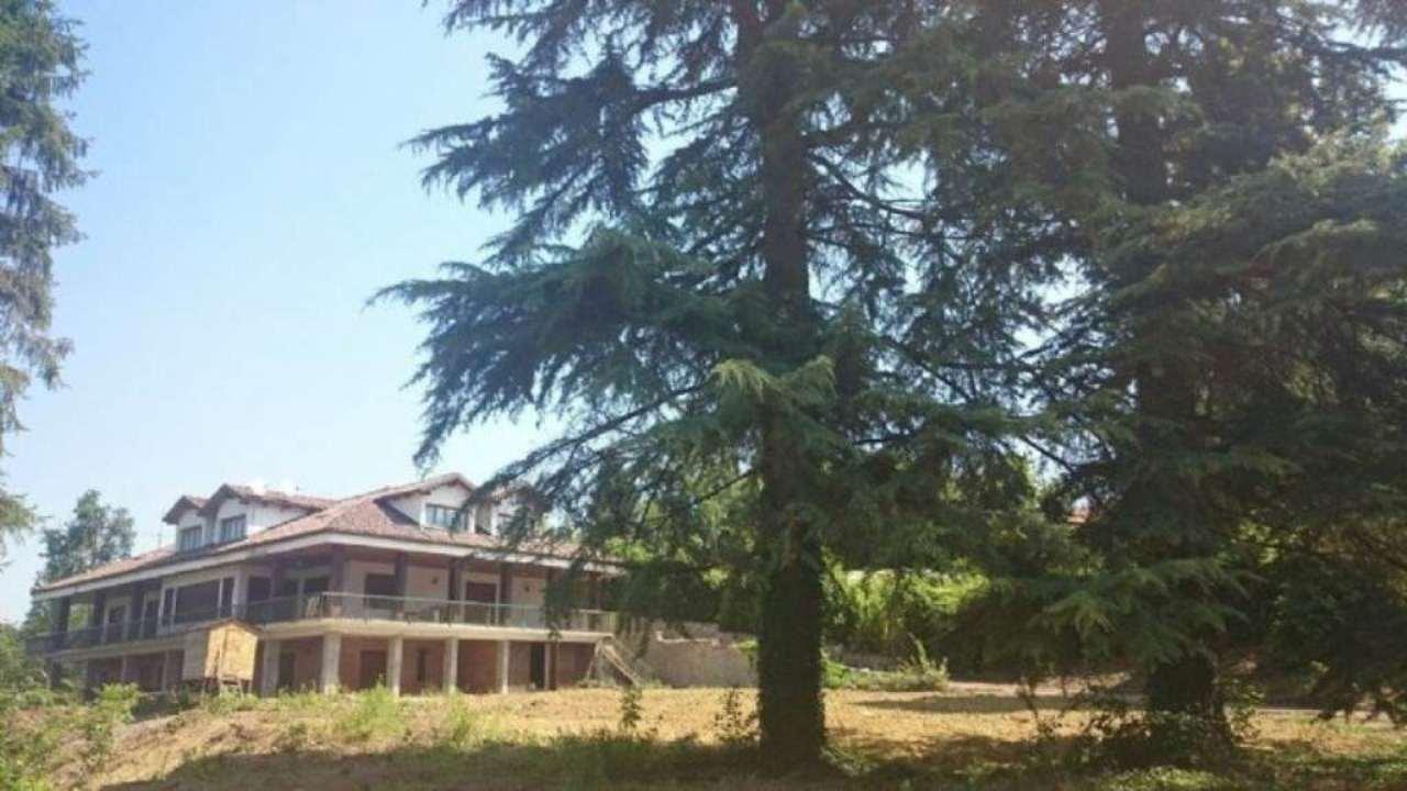 Villa Tri-Quadrifamiliare in Vendita a Piovà Massaia