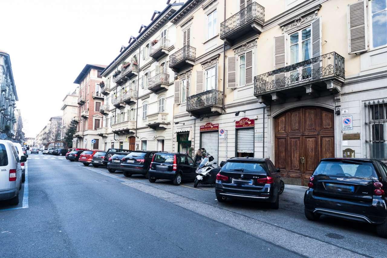 Appartamento in vendita a Torino, 2 locali, zona Zona: 1 . Centro, Quadrilatero Romano, Repubblica, Giardini Reali, prezzo € 136.000 | CambioCasa.it
