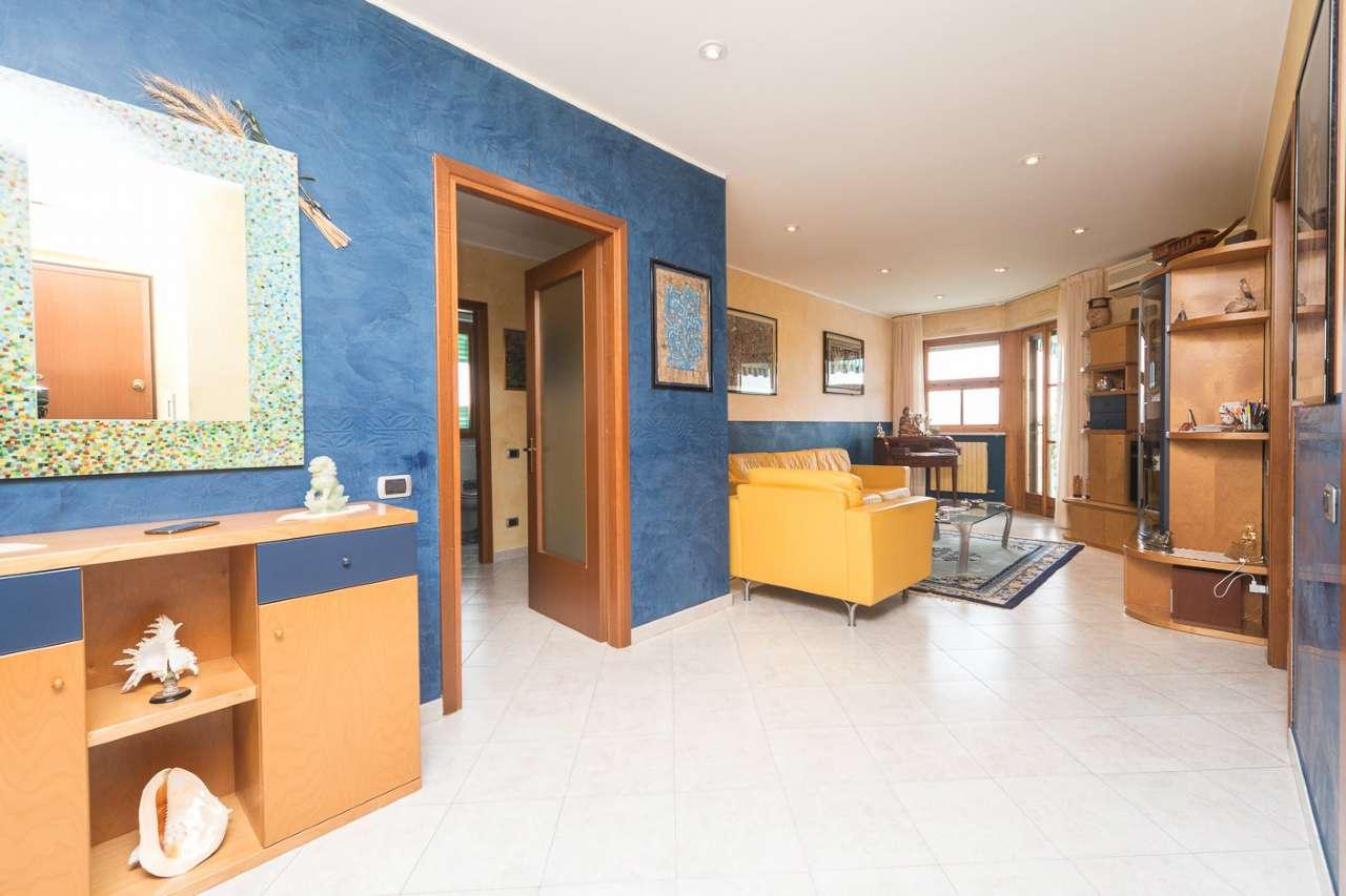 Appartamento in vendita a Collegno, 6 locali, prezzo € 259.000 | CambioCasa.it
