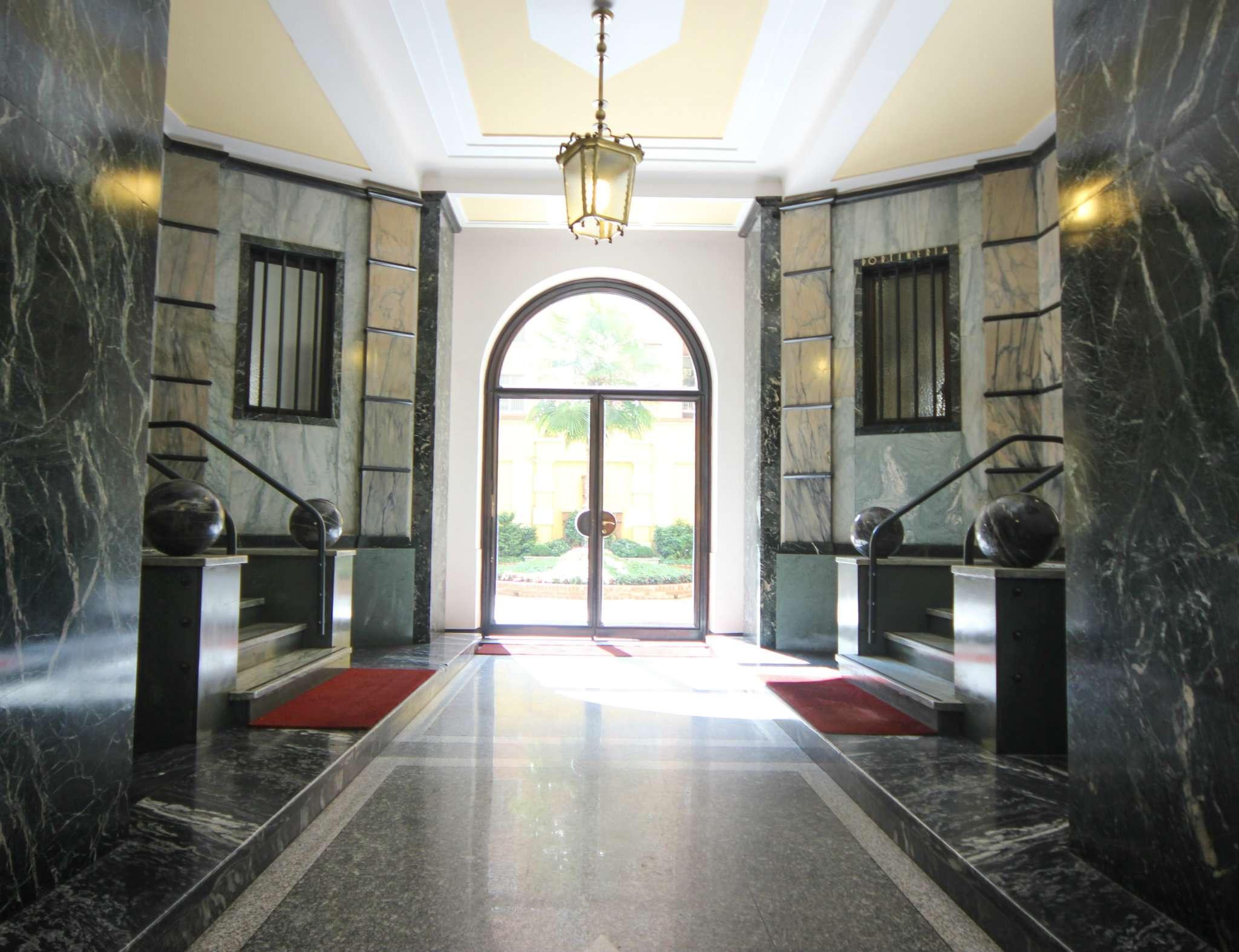Appartamento in affitto a Torino, 7 locali, zona Zona: 1 . Centro, Quadrilatero Romano, Repubblica, Giardini Reali, prezzo € 2.000 | CambioCasa.it