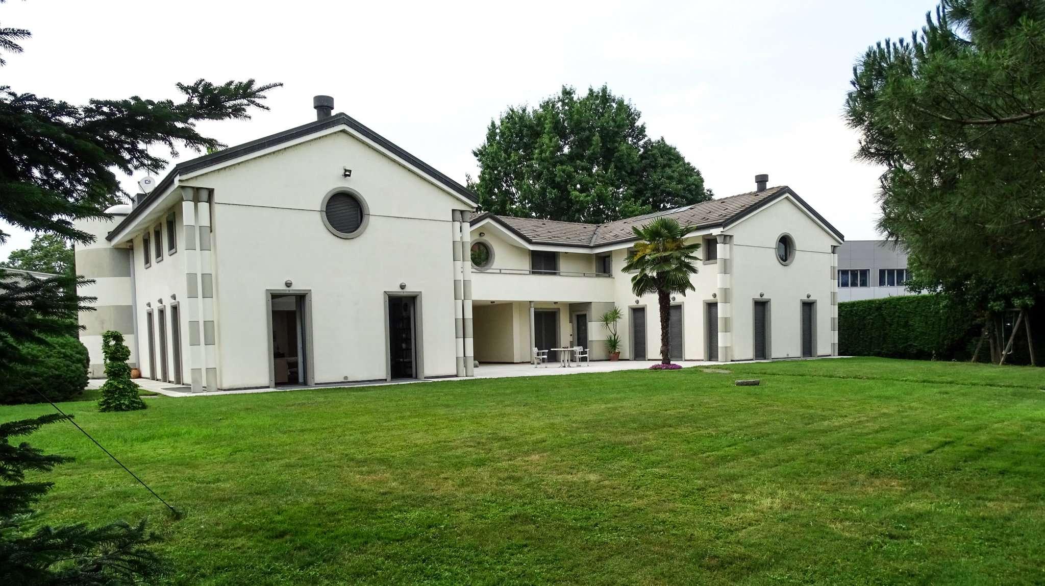 Villetta a Schiera in vendita via Torino 39 None