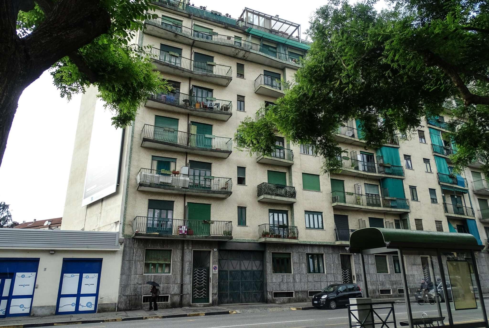 Immagine immobiliare Appartamento in vendita di tre locali in Via Muzio Clemente 31, Barriera di Milano, Aurora Proponiamo in vendita appartamento di circa 70 mq. sito al piano terzo in condominio anni '60 con servizio di ascensore. L'unità è...