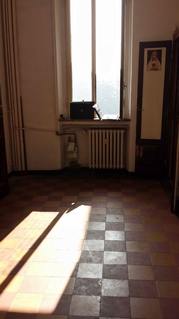 Bilocale Milano Via Petitti 2