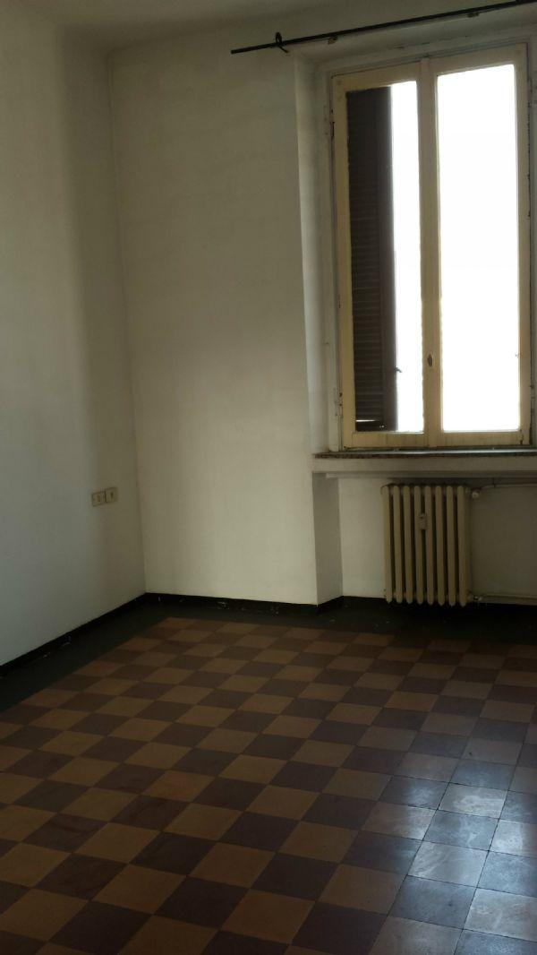Bilocale Milano Via Petitti 3