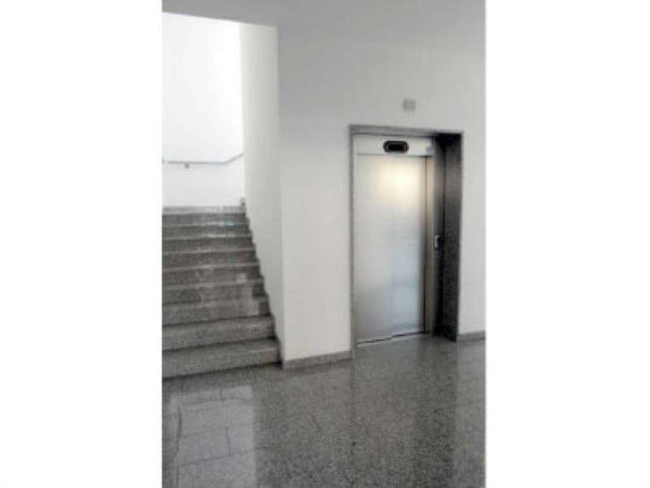 Bilocale Milano Via Bernardo Rucellai 5