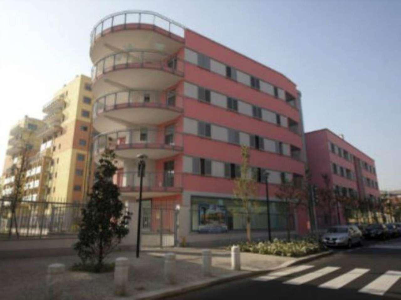 Bilocale Milano Via Bernardo Rucellai 1