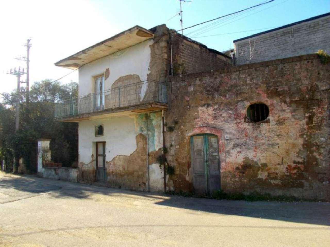 Soluzione Indipendente in vendita a Cervino, 8 locali, prezzo € 55.000 | Cambio Casa.it