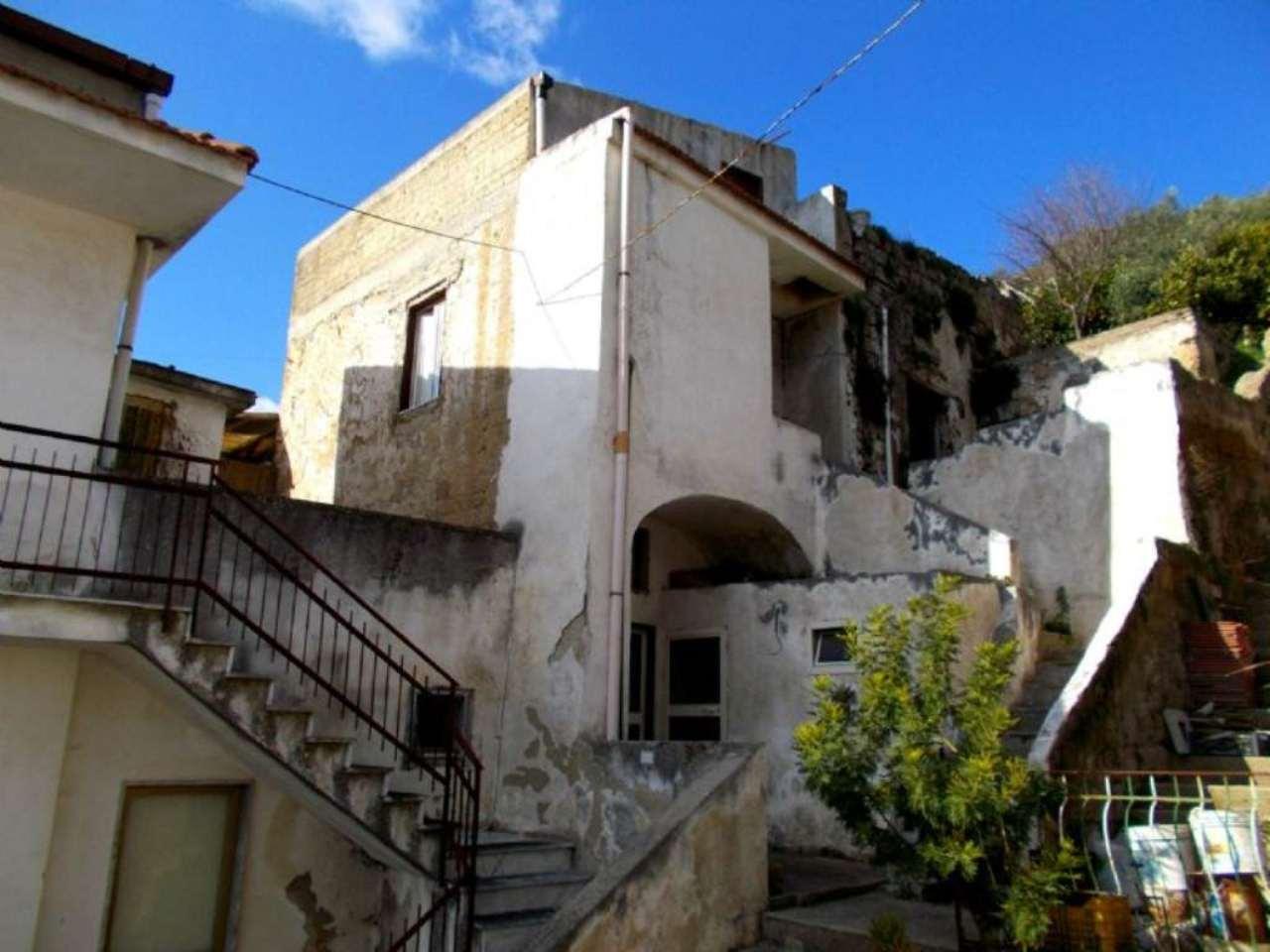 Bilocale Santa Maria a Vico Via Appia Antica 1