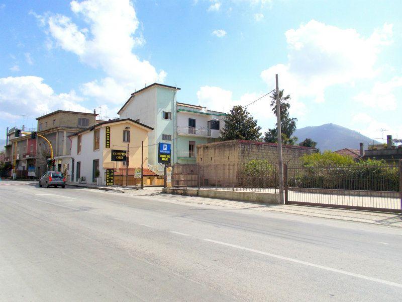 Negozio / Locale in vendita a Santa Maria a Vico, 3 locali, prezzo € 230.000 | Cambio Casa.it