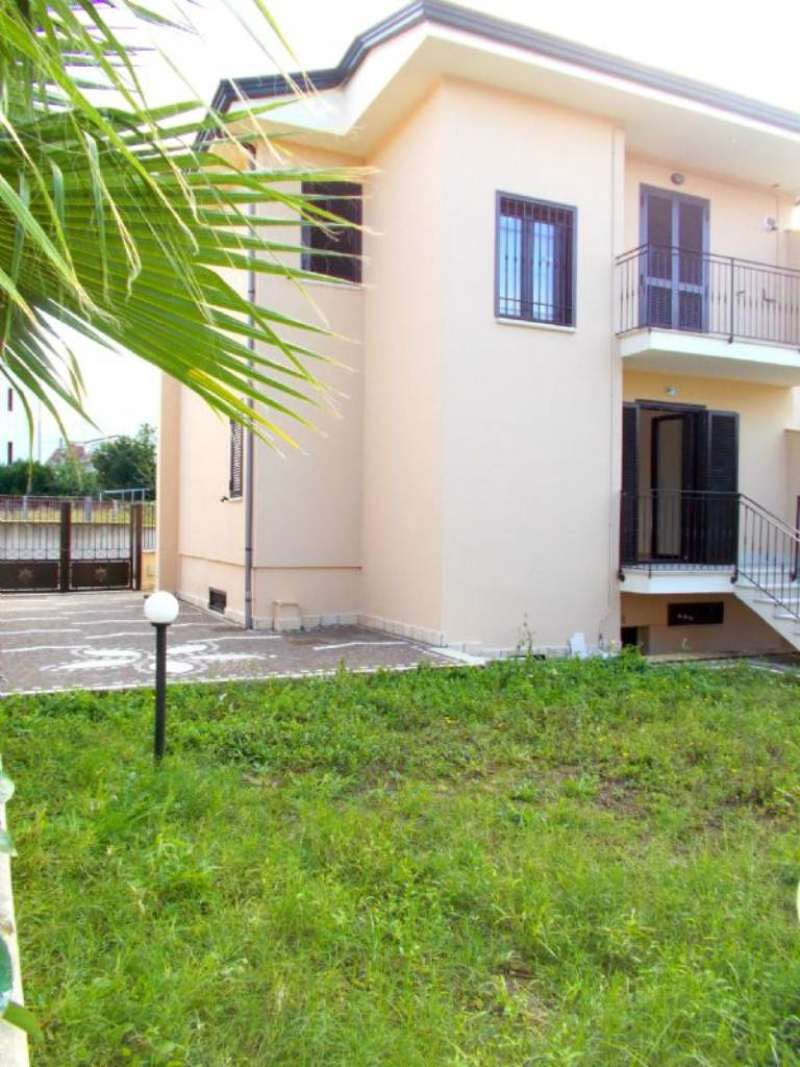 Villa in vendita a Santa Maria a Vico, 6 locali, prezzo € 175.000 | Cambio Casa.it