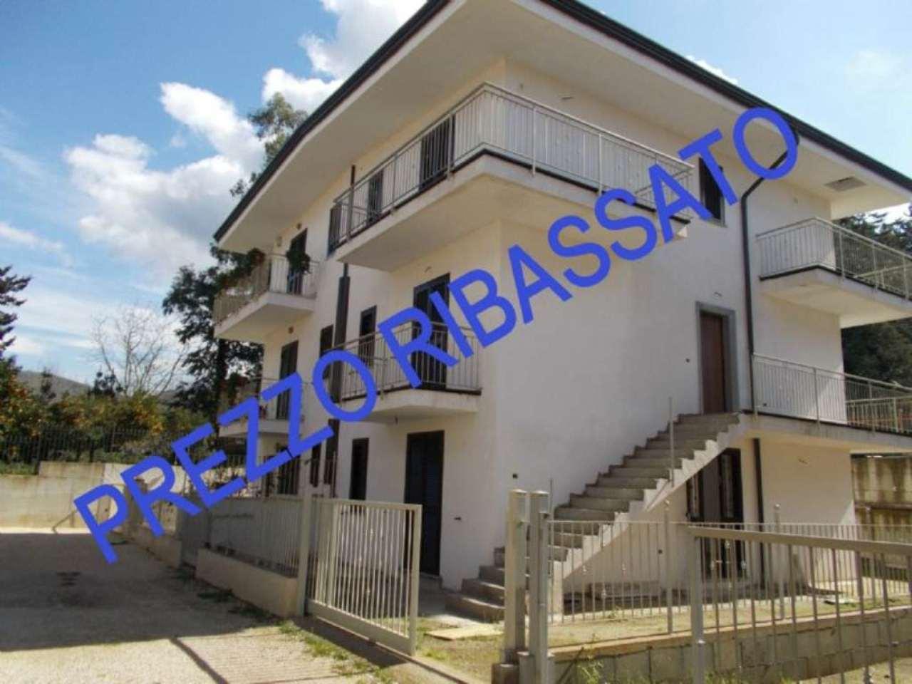 Villa in vendita a Arienzo, 6 locali, prezzo € 135.000 | Cambio Casa.it