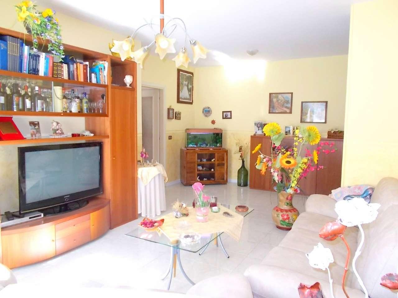 Appartamento in vendita a Santa Maria a Vico, 5 locali, prezzo € 116.000 | Cambio Casa.it