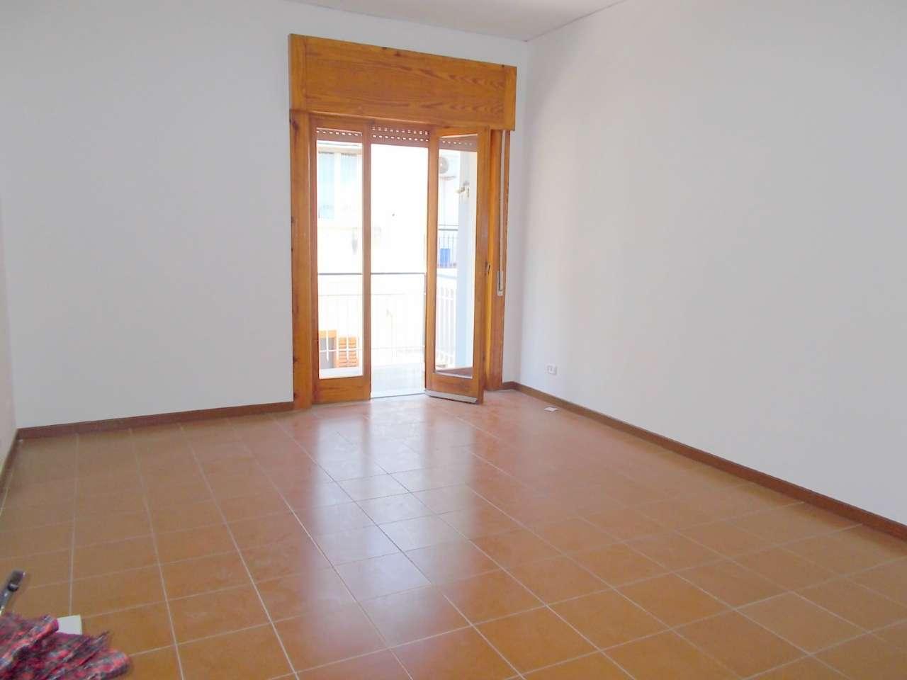 Appartamento in affitto a Santa Maria a Vico, 5 locali, prezzo € 400 | Cambio Casa.it