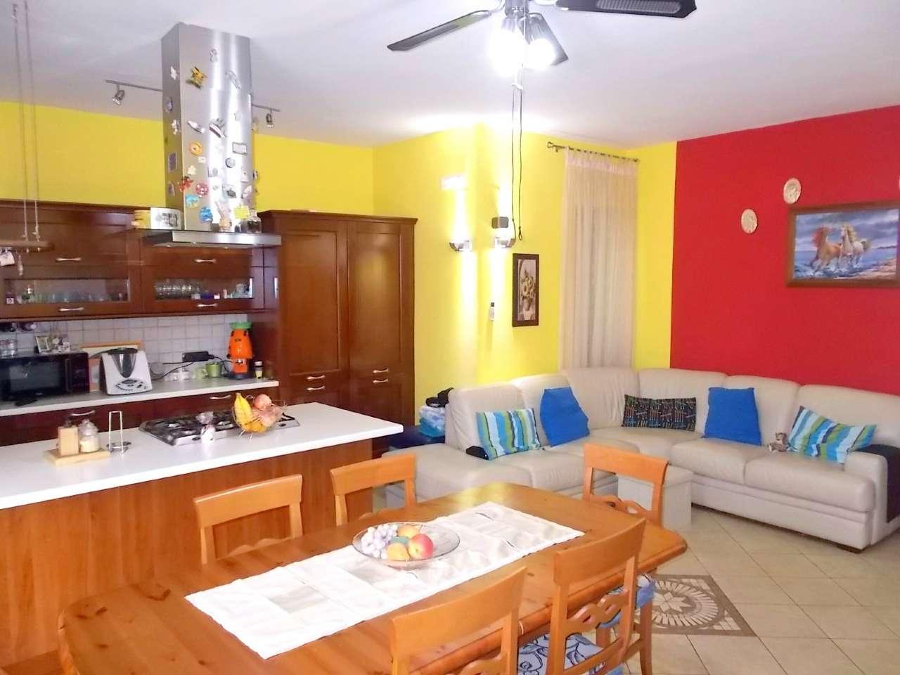 Appartamento in vendita a San Felice a Cancello, 3 locali, prezzo € 85.000 | Cambio Casa.it