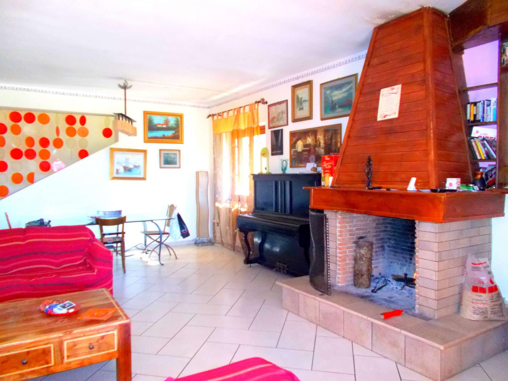 Villa in vendita a Arienzo, 11 locali, prezzo € 325.000 | Cambio Casa.it