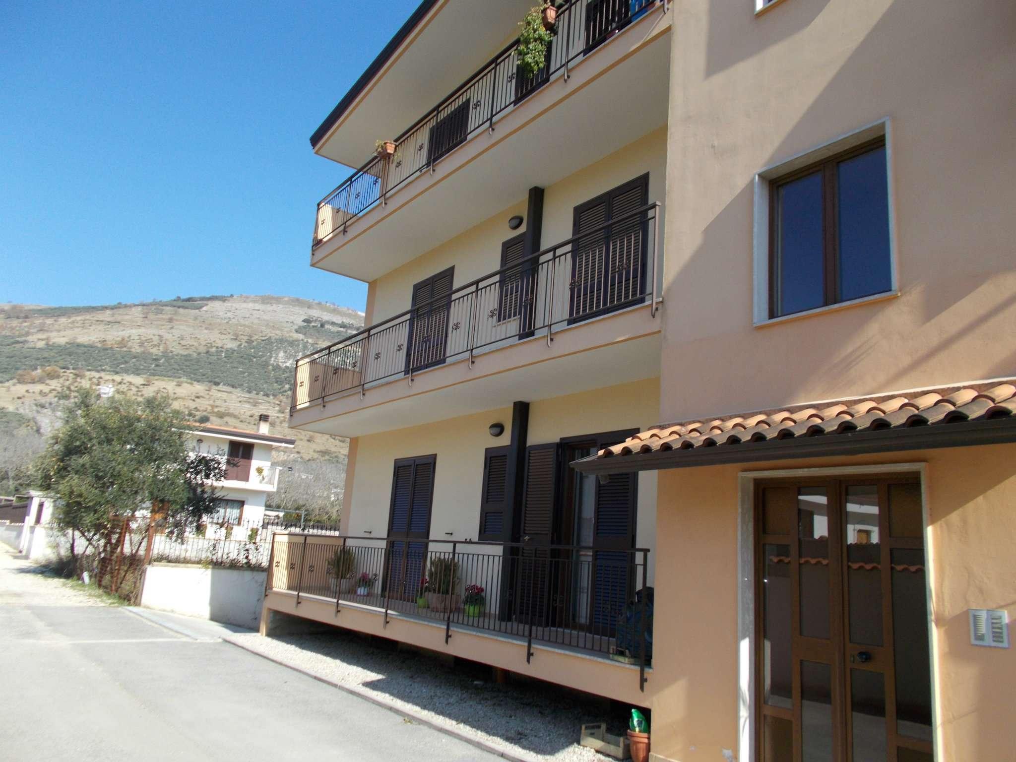 Appartamento in vendita a Santa Maria a Vico, 4 locali, prezzo € 110.000 | Cambio Casa.it