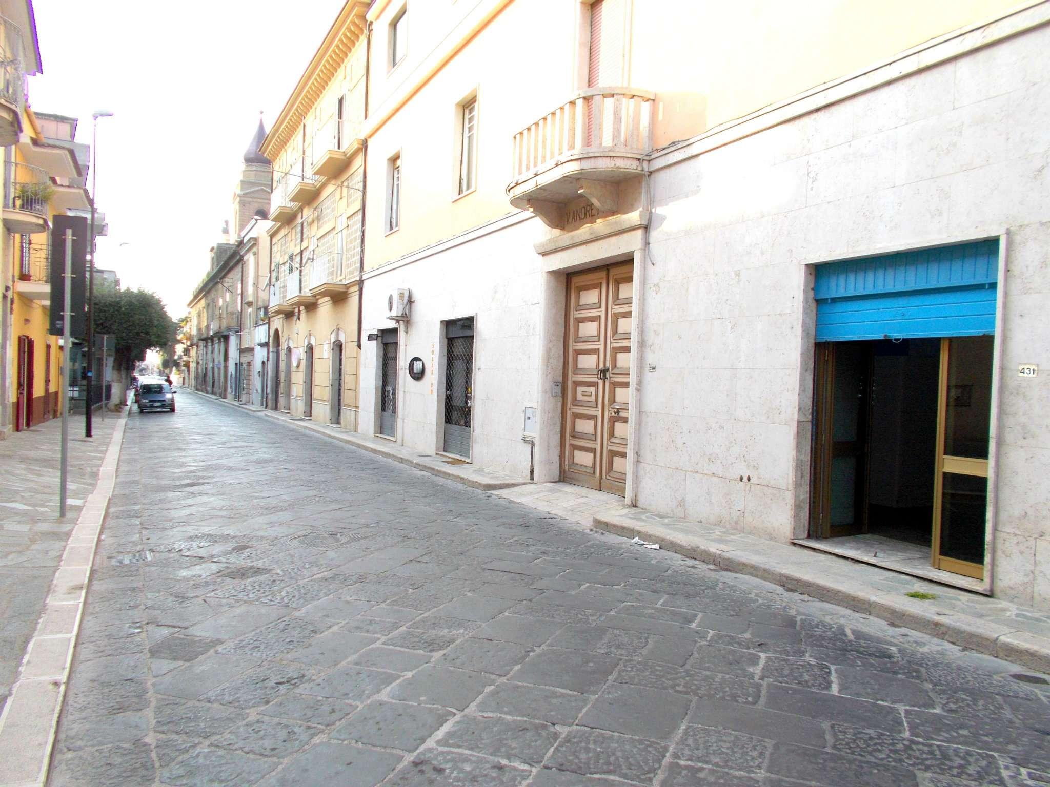 Negozio / Locale in affitto a Santa Maria a Vico, 2 locali, prezzo € 250 | Cambio Casa.it