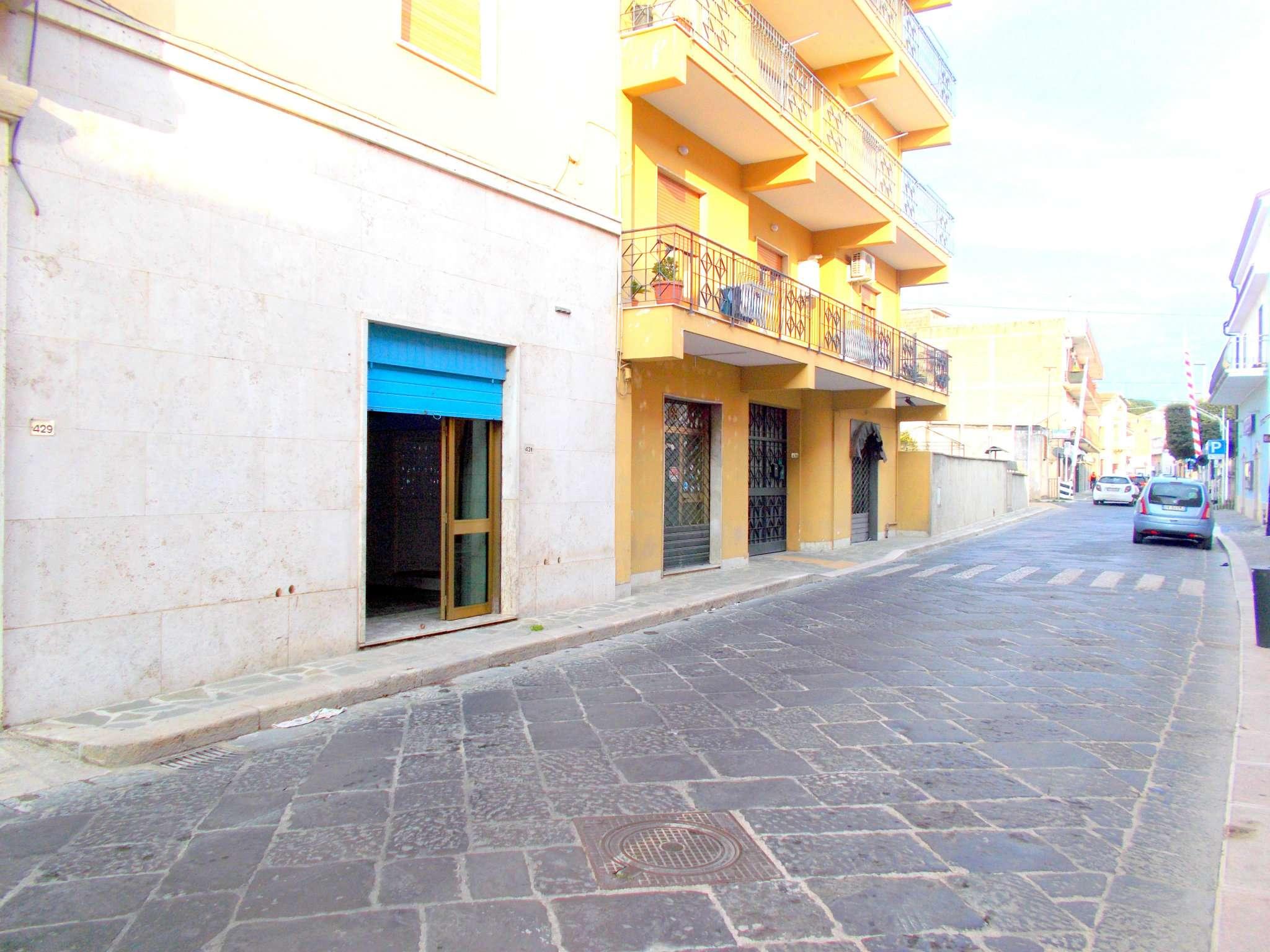 Negozio / Locale in affitto a Santa Maria a Vico, 2 locali, prezzo € 250 | CambioCasa.it