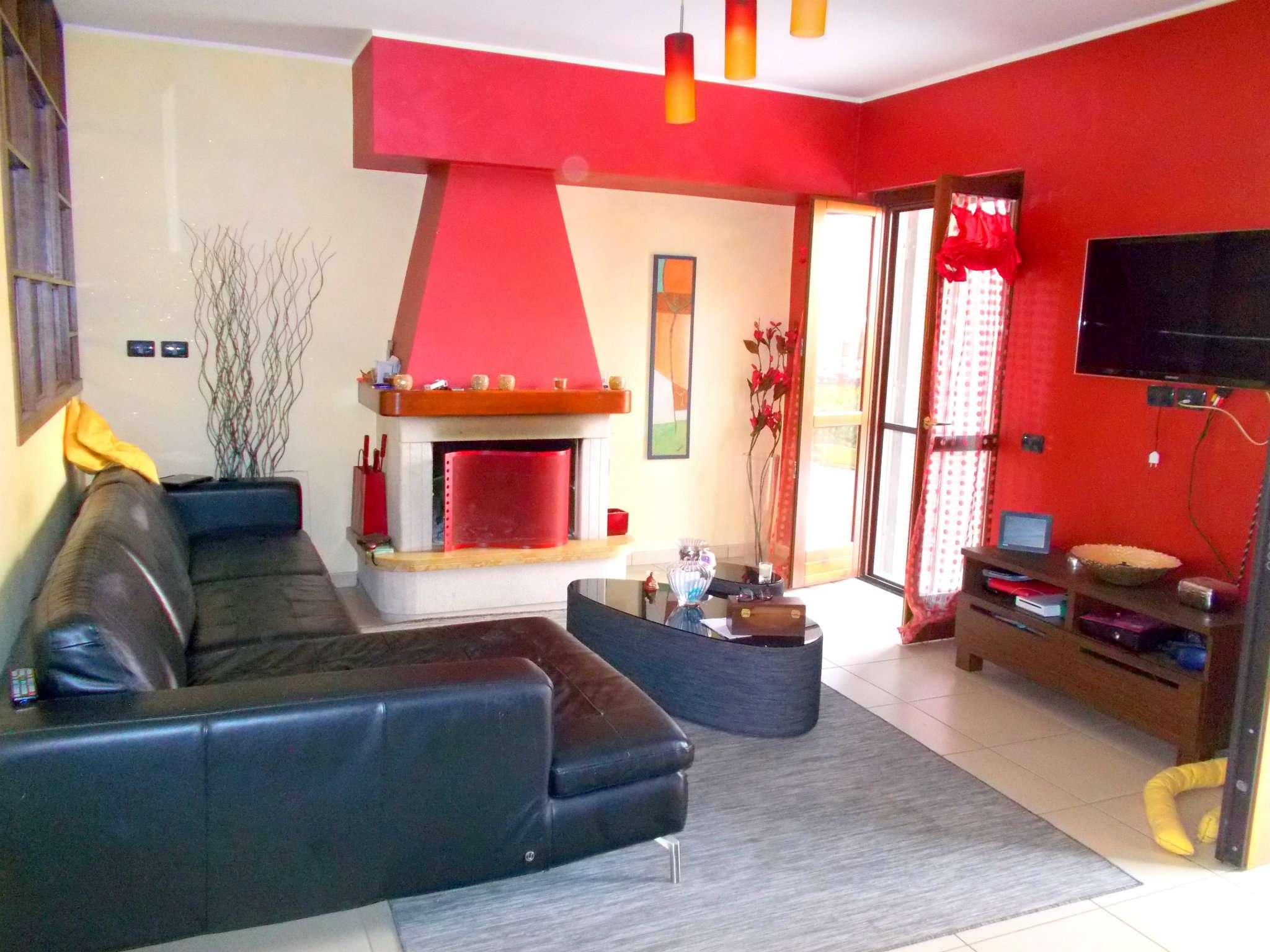 Soluzione Semindipendente in affitto a Santa Maria a Vico, 5 locali, prezzo € 370 | Cambio Casa.it