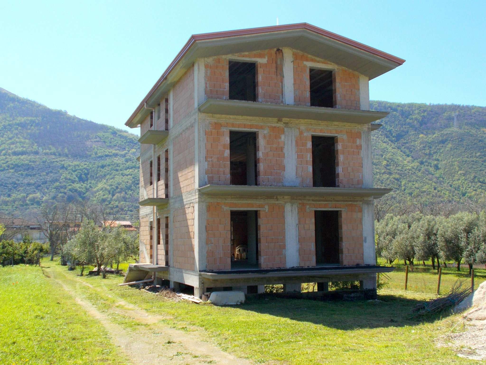 Rustico / Casale in vendita a San Felice a Cancello, 9999 locali, prezzo € 140.000 | CambioCasa.it