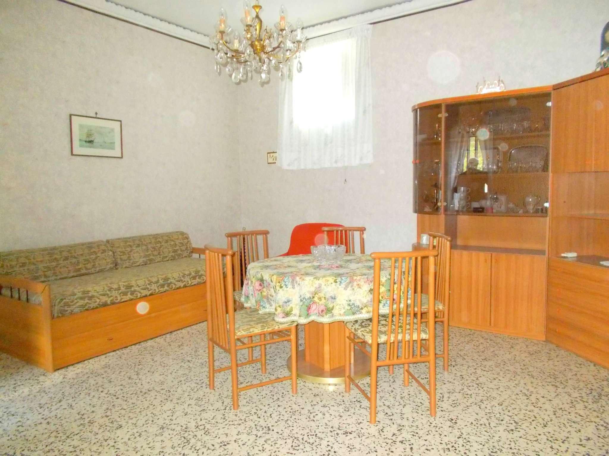 Appartamento in affitto a Santa Maria a Vico, 3 locali, prezzo € 250 | Cambio Casa.it