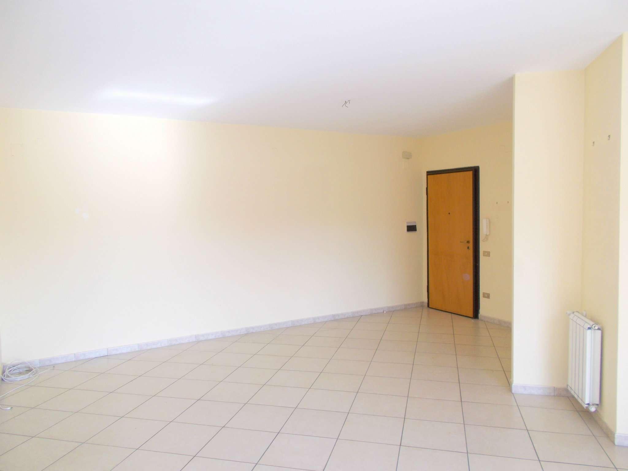 Appartamento in vendita a Santa Maria a Vico, 5 locali, prezzo € 94.000 | Cambio Casa.it