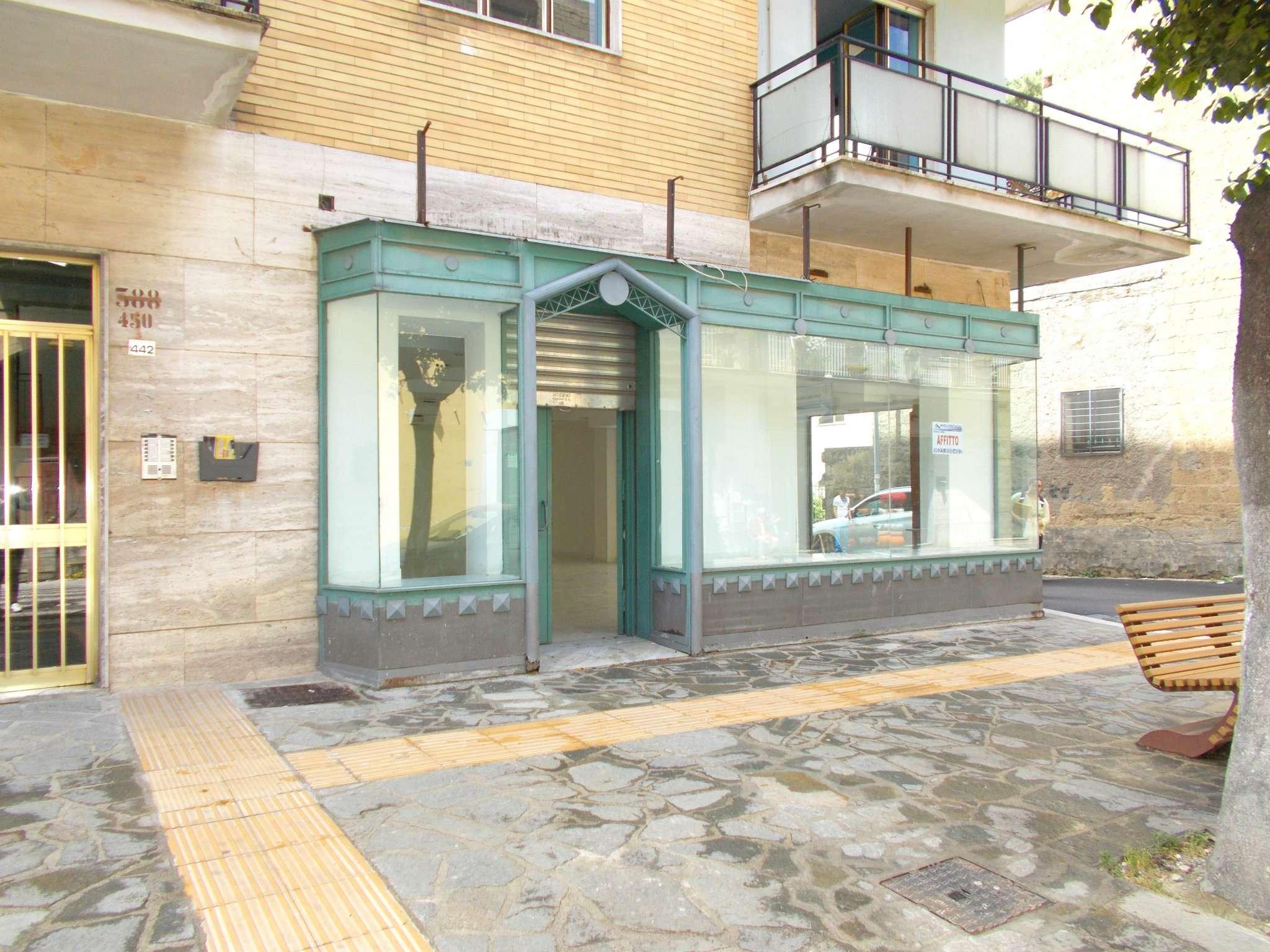 Negozio / Locale in affitto a Santa Maria a Vico, 1 locali, prezzo € 600   Cambio Casa.it