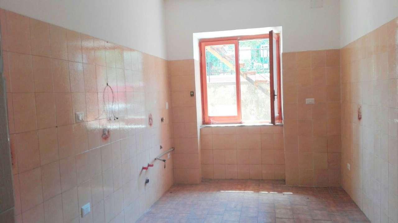 Appartamento in affitto a San Felice a Cancello, 3 locali, prezzo € 250 | CambioCasa.it