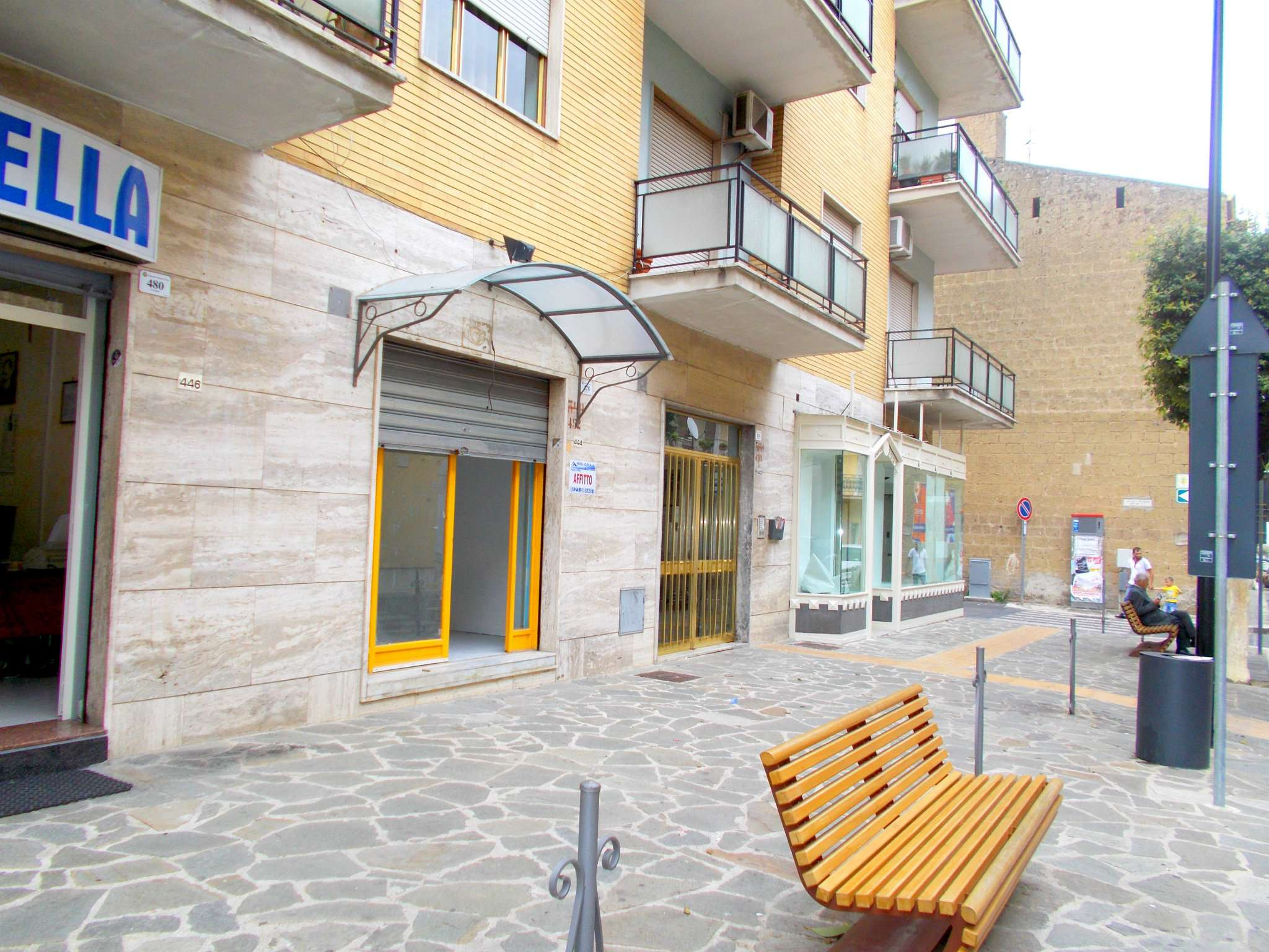 Negozio / Locale in affitto a Santa Maria a Vico, 9999 locali, prezzo € 320 | CambioCasa.it