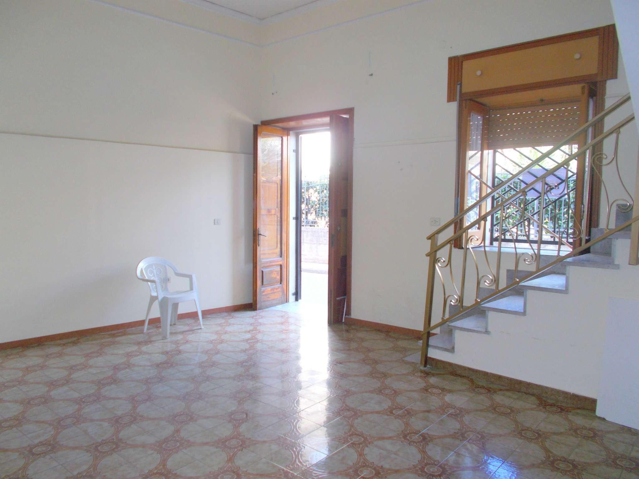 Soluzione Semindipendente in affitto a Santa Maria a Vico, 3 locali, prezzo € 200 | CambioCasa.it