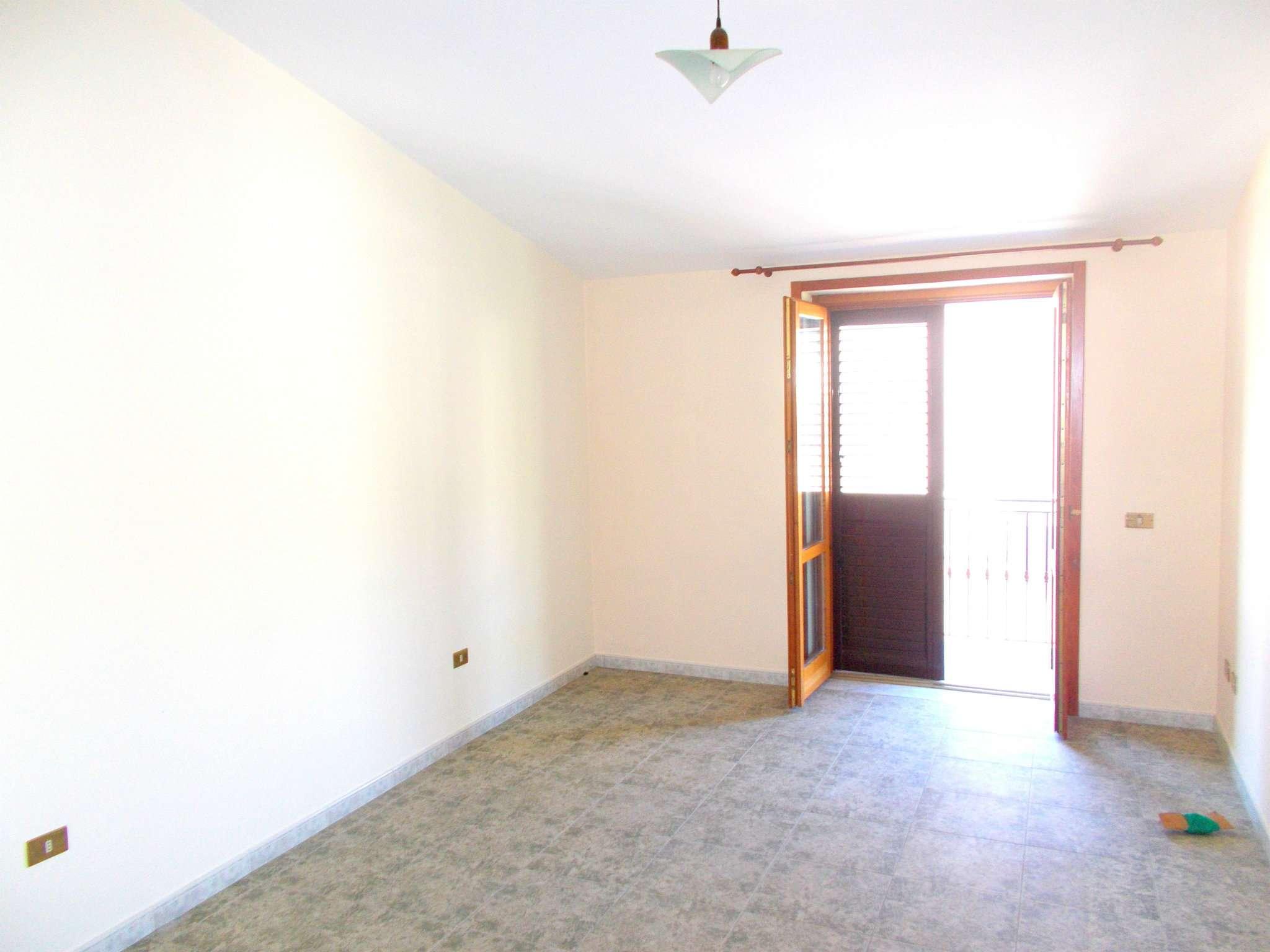 Appartamento in affitto a Santa Maria a Vico, 4 locali, prezzo € 250 | CambioCasa.it