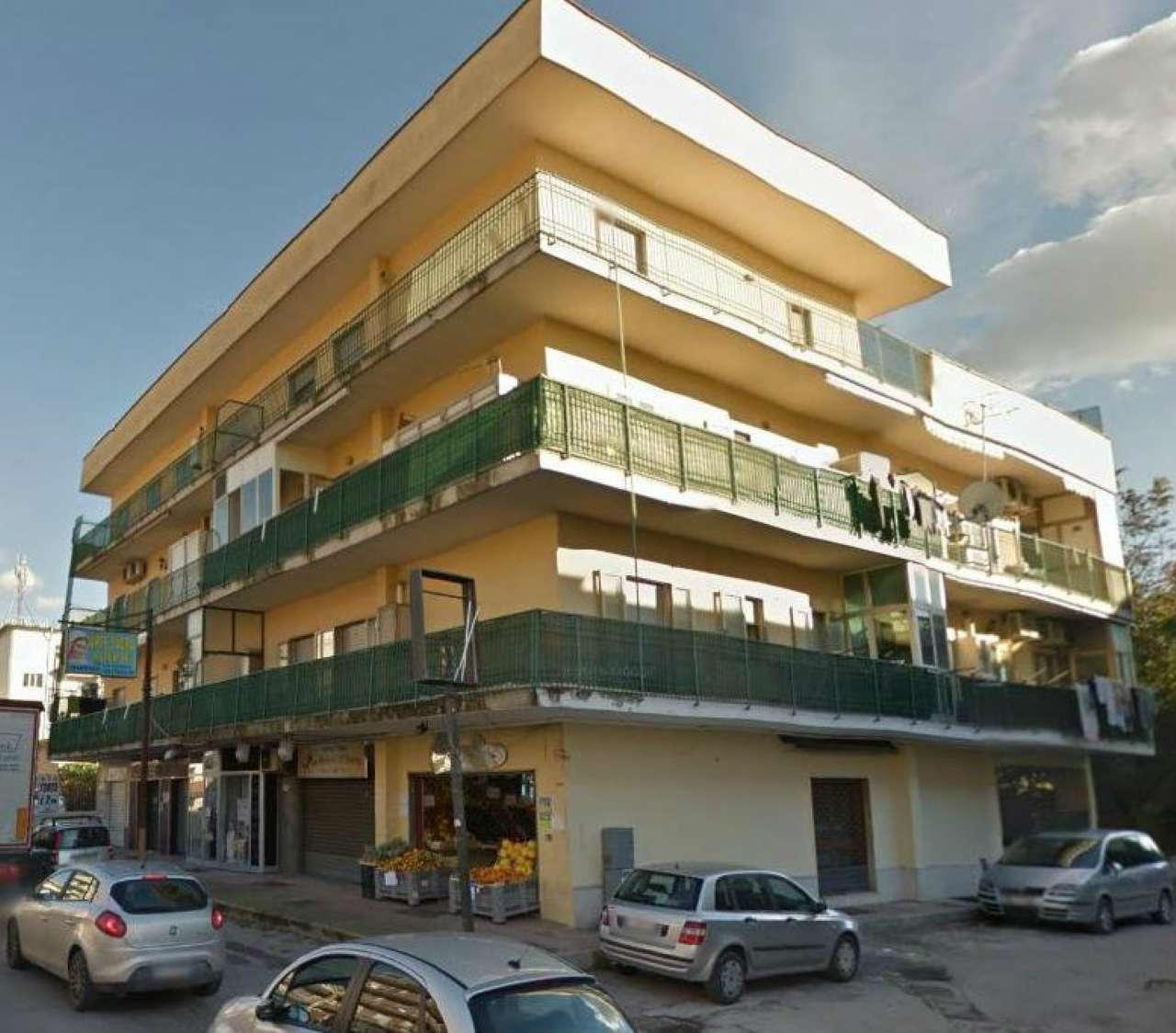Appartamento in vendita a Santa Maria a Vico, 4 locali, prezzo € 70.000 | CambioCasa.it