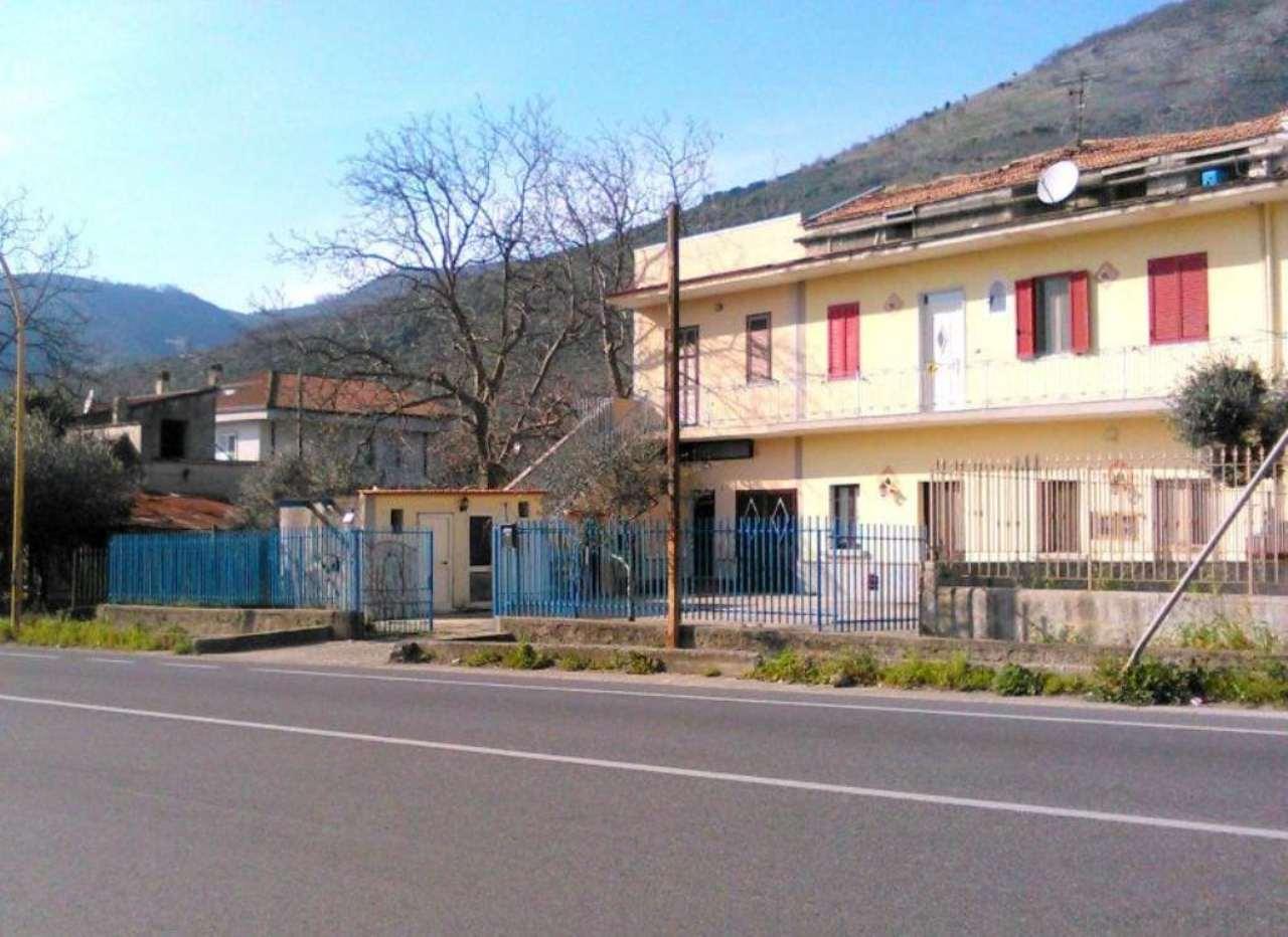 Soluzione Semindipendente in vendita a Arienzo, 6 locali, prezzo € 90.000 | Cambio Casa.it