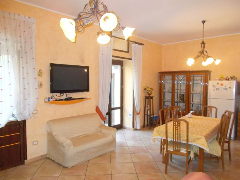 Soluzione Indipendente in vendita a Cervino, 4 locali, prezzo € 110.000 | Cambio Casa.it
