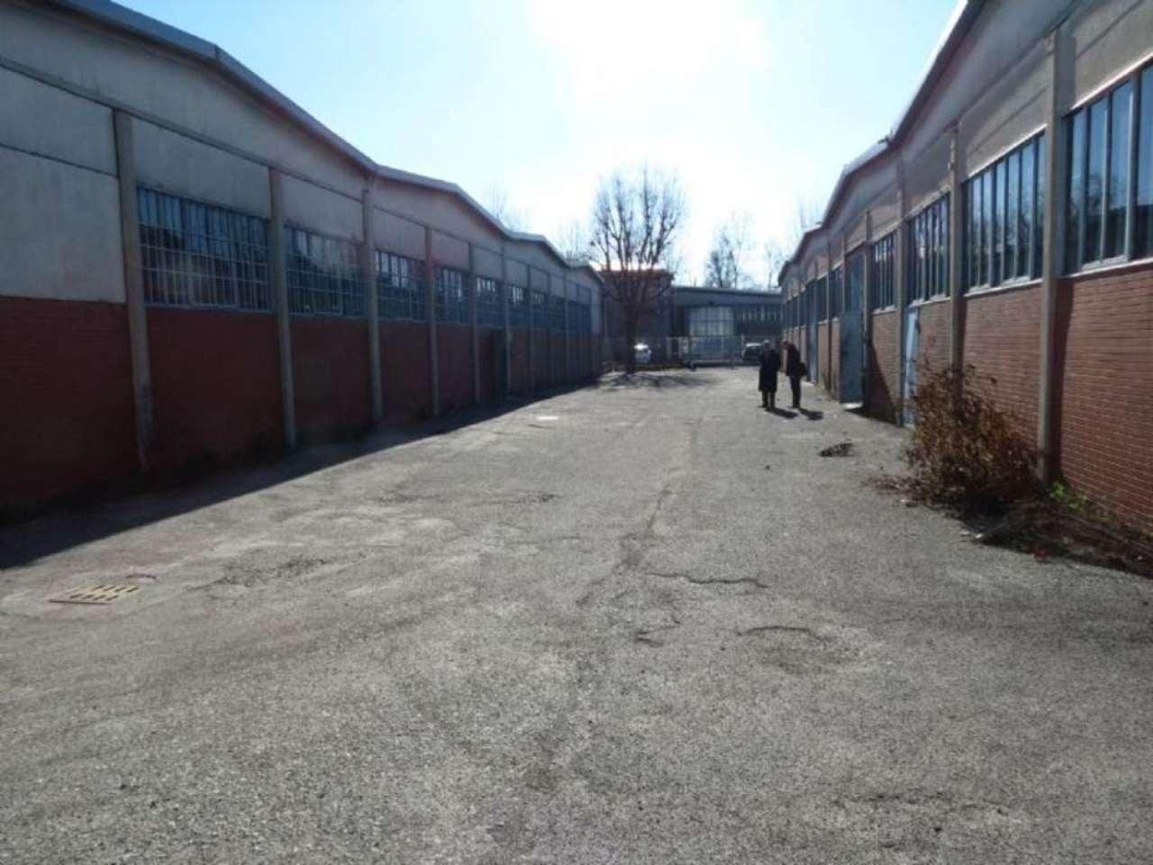 Capannone in vendita a Rozzano, 9999 locali, prezzo € 700.000 | CambioCasa.it